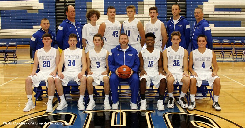 2016PirateBasketballTeamVarsity