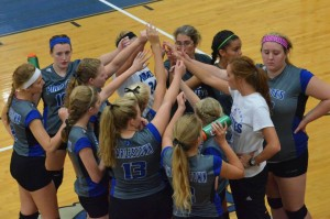 Volleyball2015teamhuddle